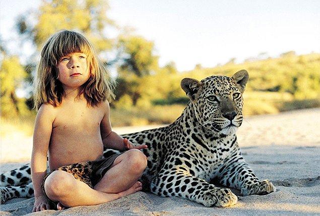 """""""Çocuğumuzla doğada tamamen özgür olabilmek inanılmazdı. Çok şanslı bir küçük kızdı, tamamen vahşi bir ortamda doğup 10 yaşına kadar burada büyüdü."""" dedi Sylvie."""