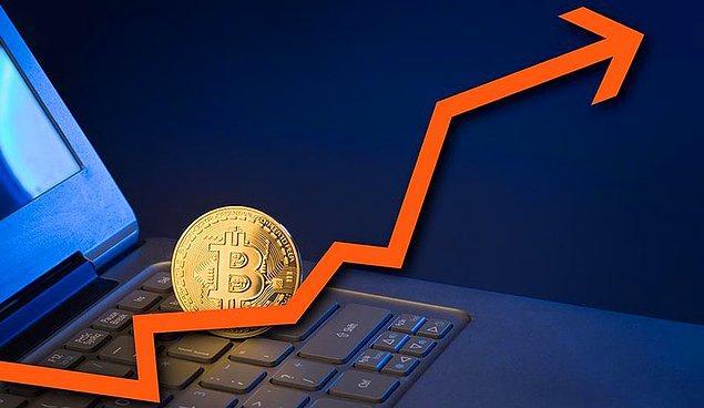 Öteki yandan, tüm düzenlemeler ve kısıtlamalarla fiyatı düşse de 2018 yılında Bitcoin'in popülerliğinin arttığı gerçeği var. Geçtiğimiz yıl 3.2 trilyon dolarlık işlem hacmine ulaştı.