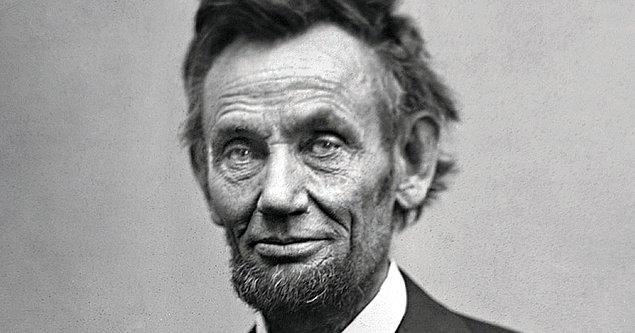 14. Suikastinden önceki gece Abraham Lincoln, Gizli Servis'in var olmasını sağlayan imzayı atmıştır.