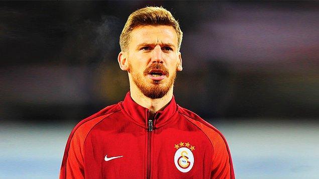 Serdar Aziz, 2 sezon önce Bursaspor'dan 4.5 milyon euro karşılığında Galatasaray'a transfer olmuştu.