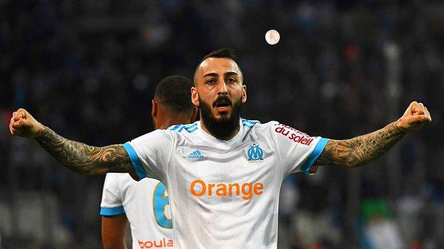 2015 yılında ise Benfica ile anlaşan Mitroglou, Fulham-Benfica geçişlerinin ardından 15 milyon Euro bonservis bedeliyle Marsilya'ya transfer oldu. Deneyimli golcü 2017 sezonundan bu yana Marsilya forması giyiyor.