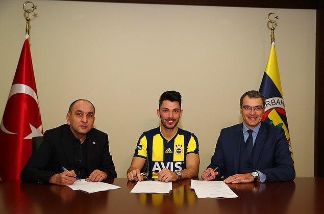 Beşiktaş ile yollarını ayıran Tolgay, Fenerbahçe ile sözleşme imzaladı.