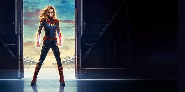 """1990'lı yıllarda geçen, Marvel Stüdyoları filmi """"Captain Marvel"""" evrenin en güçlü kahramanlarından biri haline gelen Carol Danvers'ıın yolculuğunu anlatıyor."""