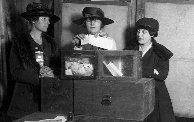 1971: İsviçre'de kadınlara seçme hakkı verildi.
