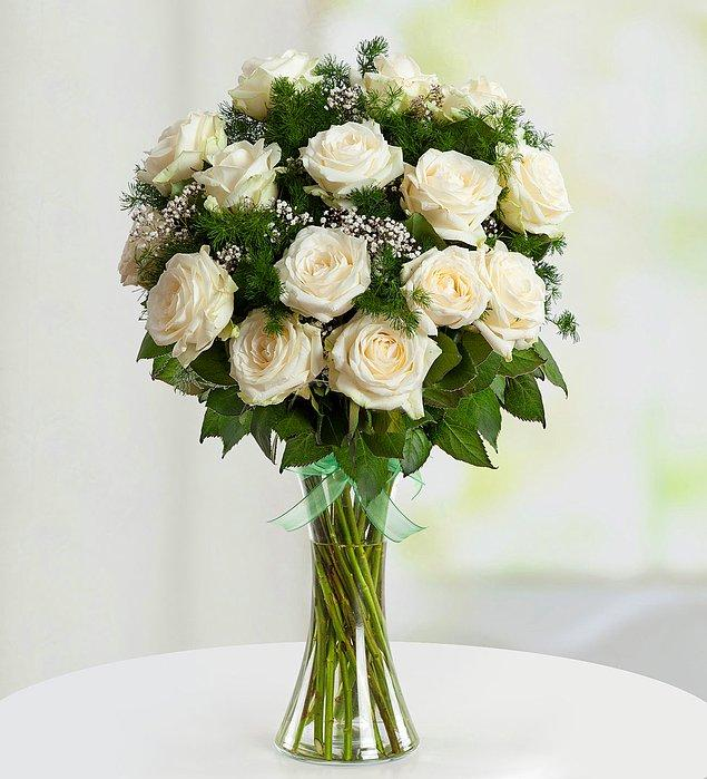 4. 14 Şubat = Mis gibi kokan tutkunun çiçeği güller, desek yanlış olmaz değil mi? :)