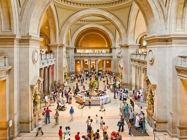 1872: Metropolitan Museum of Art, New York'ta açıldı.