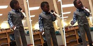 4 Yaşındaki Minikten Kitap Okumanın Önemine Vurgu Yapan Ders Niteliğinde Konuşma