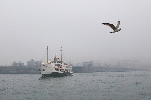 Şehir Hatları AŞ yoğun sis nedeniyle Haliç hattı dışındaki tüm seferlerini iptal etti.