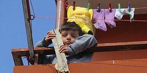 Boyundan Büyük Derdi Var: Adana'da 5 Yaşındaki Çocuğa Haciz Geldi, Aile Karara İtiraz Etti