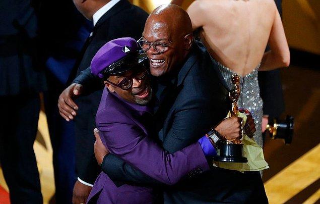 """En iyi uyarlama senaryo ödülüne """"BlacKkKlansman"""" ile Spike Lee layık görüldü."""