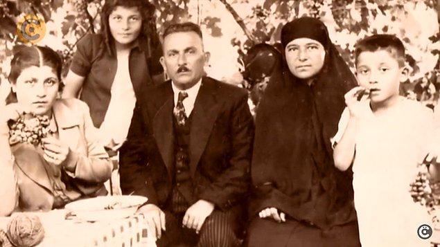 İstanbul'a geldiklerinde ilk önce Vefa'da yaşamaya başlamışlar. Daha sonra Çengelköy'e geçmişler. Yaşadığı ev bugün hala orada duruyor.