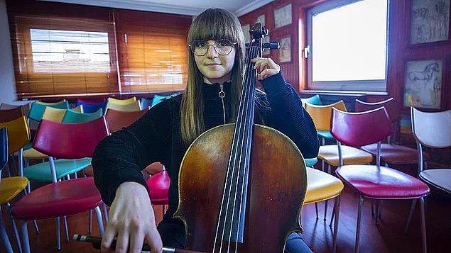 5. Bilkent Üniversitesi Müzik Ortaokulu 6. sınıf öğrencisi Nehir Nisa Alemdar, Çekya'da katıldığı 13. Jan Vychytil Uluslararası Viyolonsel Yarışması'nda birincilik elde etti.