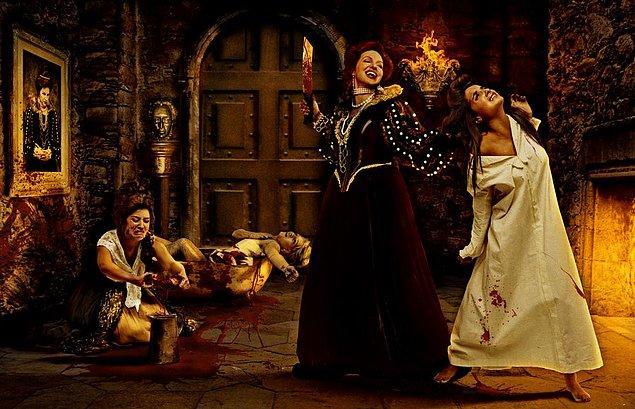 Bir gün Elizabeth'in içindeki vahşi yanı tetikleyen bir olay yaşandı. Elizabeth'in hizmetçisi, kontesin saçını tararken istemeden canını biraz fazla acıtmıştı…
