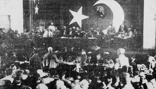 1925: Hıyanet-i Vataniye Kanunu'nda değişiklik yapıldı.