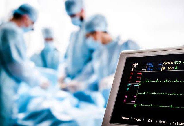 1988: Türkiye'de ilk yapay kalp ameliyatı, Ankara Üniversitesi Tıp Fakültesi İbni Sina Hastanesi'nde yapıldı.