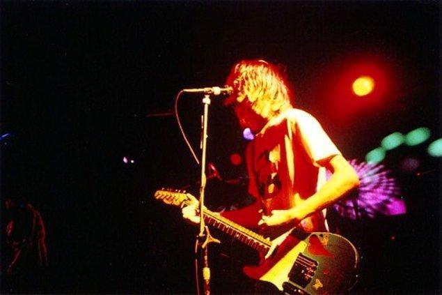 1994: Nirvana, son konserini Münih'te verdi.