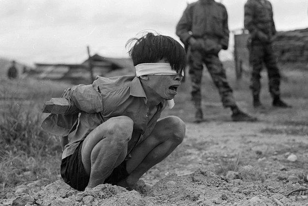 1967: Amerika Birleşik Devletleri, 25 bin askerle Vietkong'a saldırıya geçti.