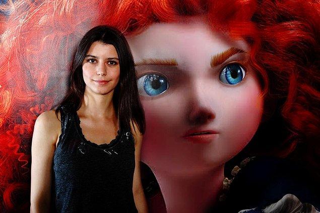 İngilizce ve İspanyolca bilen güzel oyuncunun sinema yolculuğunun pek yolunda gitmediğini söylesek, yanlış olmaz ama o her zaman biriciğimiz…