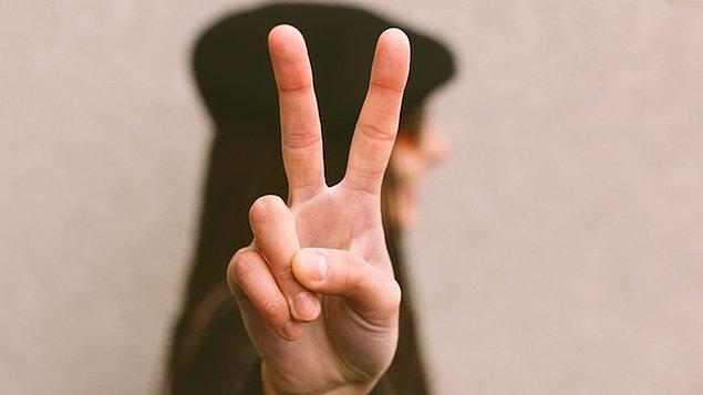 8. Uzun işaret parmağı: Düşük kanser riski.