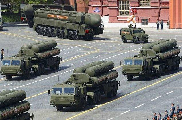 S-400 savunma füze sisteminin teknik özellikleri nelerdir?