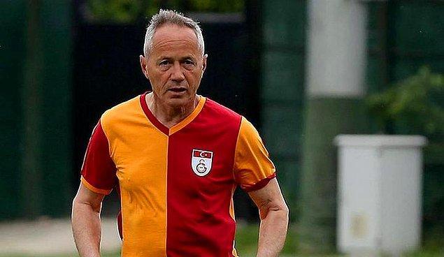 13. Bir daha Galatasaray'a dönmeyeceğimi biliyordum. Ne diyorlar Türkiye'de? Paçavra gibi attılar beni... Paspas ettiler.