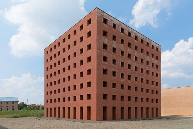 Postmodern bir mezarlık arayanlar için, Rossi'den ödüllü 'Küp Mezarlık'