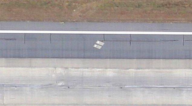 Georgia Eyaleti'ndeki Savannah Havalimanı'ndan havalanırken Richard ve Catherine Dotson'un yalnız ama gururlu mezarlarını görebilirsiniz.