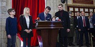 İmamoğlu'nun Anıtkabir Özel Defterini 'Başkan' Sıfatıyla İmzalaması Gündemde