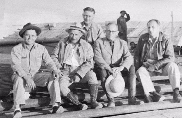 1. Batman rafinesinde çalışan modern işçiler, 1948.
