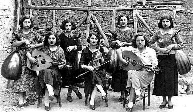 7. Safranbolu'da köy orkestrası, Karabük 1935.