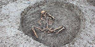 İngiltere'de Kanalizasyon Çalışması Yapılırken Garip Biçimde Gömülü Bulunan 3.000 Yıllık İnsanlar Bir Tarikat Ritüeli mi?