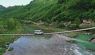 60 Yıllık Asma Köprüden Geçerek Köylerine Ulaşıyorlar: 'Devletten Yardım Bekliyoruz'