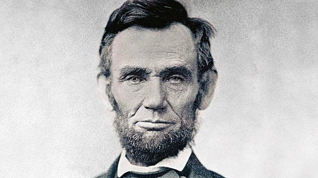 12. Abraham Lincoln'ın mumyalanan bedeninin Washington'dan Illinois'a taşınması, uygulamanın kabul edilebilirliğini arttırmakla bağdaştırılıyor.