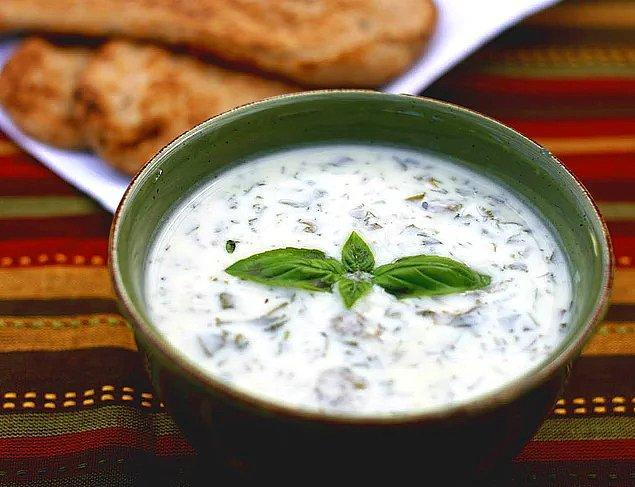 1. Çorba ile başlayalım.