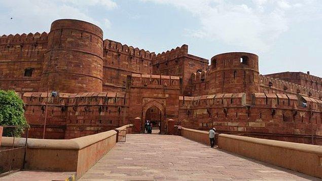 5. Agra Kalesi hangi ülkededir?
