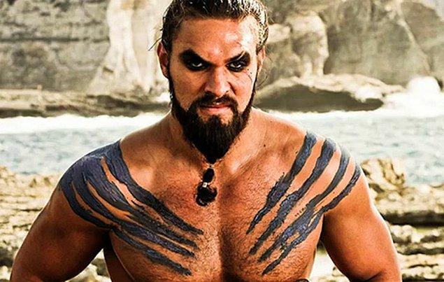 Jason Momoa, Game of Thrones'u izlemek için televizyon karşısına geçtikten sonra pek de mutlu olmadı.