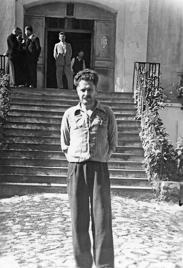 6. Şair Nâzım Hikmet cezaevindeyken, Bursa, 1938.