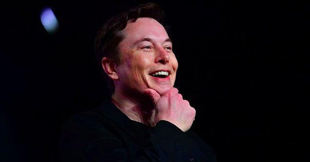 Tesla CEO'sunun bu açıklaması, 11 Haziran Salı günü yapılan yıllık hissedar toplantısında su aracı geliştirmek isteyip istemediğine dair yapılan sorulardan sonra geldi.