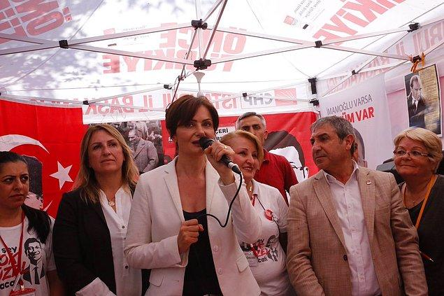 Kaftancıoğlu, başörtüsü montajlı fotoğrafını paylaşanları eleştirdi: 'Siyasi rant uğruna kadınları aşağılamaya hakkınız yok'