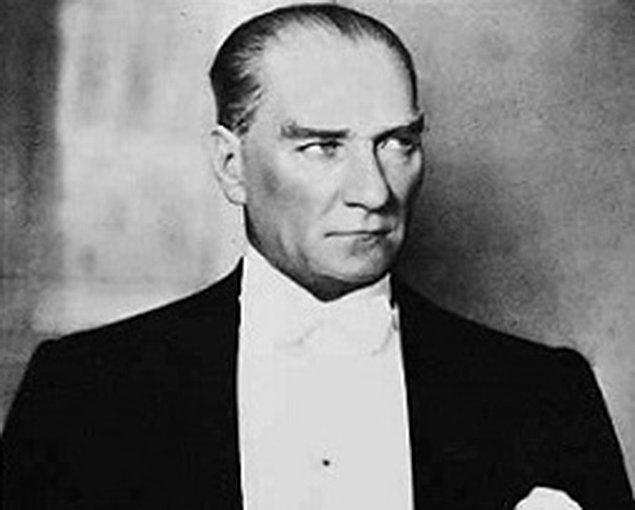 1928 - Cumhurbaşkanı Mustafa Kemal, Millet Mektepleri'nin Genel Başkanlığını ve Başöğretmenliğini kabul etti.