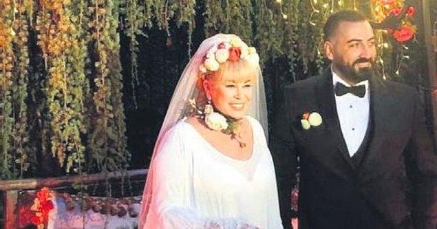 Programa telefonla bağlanan Seda Hanım, Murat Akıncı'nın flört ettikleri 1,5 yıl boyunca kendisini Mahmut Atalay olarak tanıttığını söyledi.