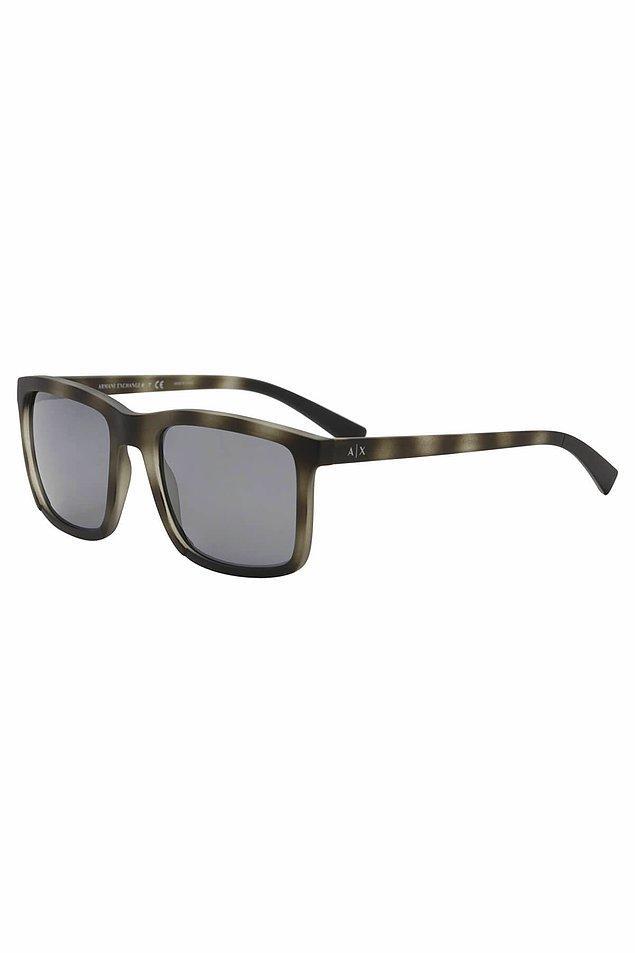 3. Beyleeer! Hem marka hem de aşırı uygun fiyatlı bir gözlük arayanlar el kaldırsın!