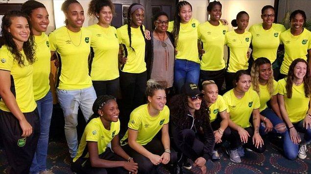 Marley, Reggae Kızlar'a ilk yardımını Jamaika Federasyonu bütçeyi kestikten 6 yıl sonra 2014 yılında yaptı.