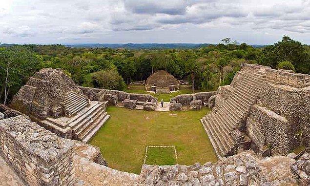 Kaşifler, yıllarca Kolomb öncesi dönemde eski bir uygarlığa ev sahipliği yaptığı düşünülen Beyaz Şehri bulmak için araştırmalar yapmıştır.