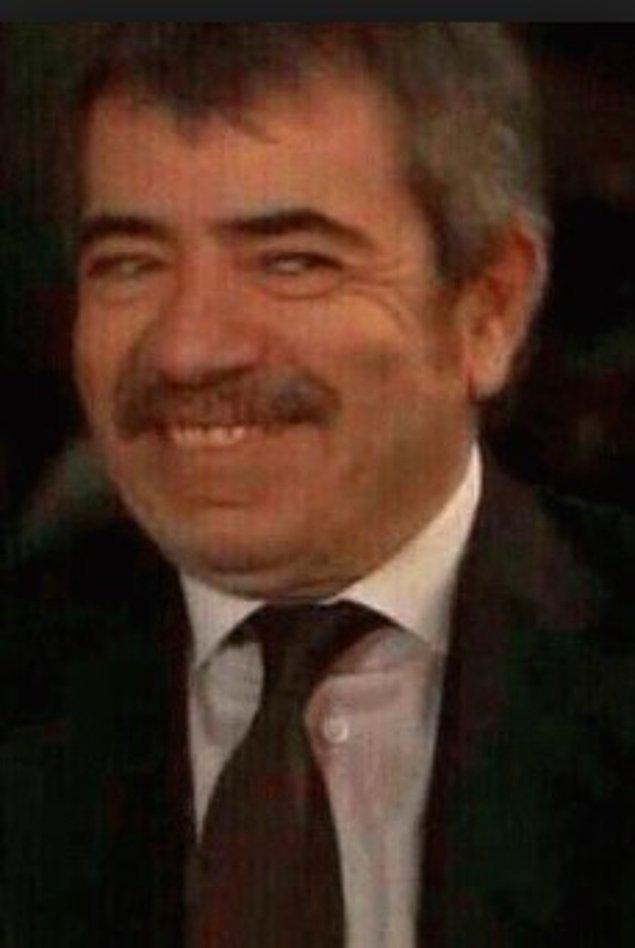 """14. """"Düğünümde sağdıç olan kuzenime, eşimin babasının bir mafya olduğunu, o yüzden o törene gelirken diz çöküp elindeki yüzüğü öpmesi gerektiğini söyledim..."""""""