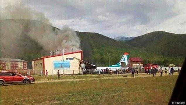 Nijneangarsk Havalimanı'ndan başkent Ulan Ude'ye seferini yapmak üzere  kalkan An-24 tipi yolcu uçağı, kısa süre sonra teknik arızalar sebebiyle havalimanına dönüş yapmak zorunda kaldı.