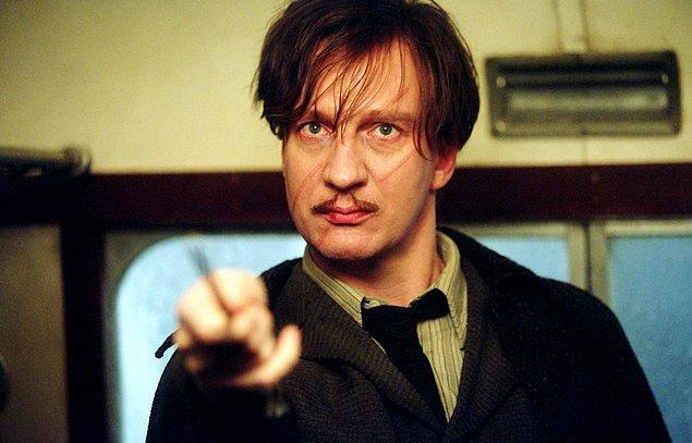 14. Hogwarts'ın öğretmenlerinden biri olan Remus Lupin de adını mitolojiden almıştır: Adı Roma'nın kurucusu kardeşlerden biri olan Remus'tan, soyadı ise iki kardeşi emziren kurttandır. (Lupus)