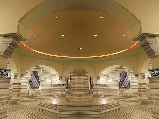 12. Başkentin tüm olanaklarına yakın olmanızı sağlayan ve 3000 m2 Spa ve Wellness merkeziyle öne çıkan Swissotel Ankara