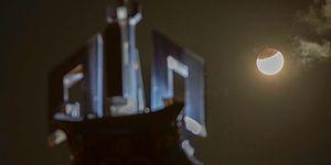 Gökyüzünde Muhteşem Manzara: Parçalı Ay Tutulması'ndan Objektiflere Yansıyan 15 Kare