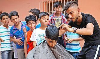 Sokak Sokak Gezip İmkanı Olmayan Çocukları Bayram İçin Tıraş Eden Genç: 'Onların da Mutlu Olmaya Hakkı Var'